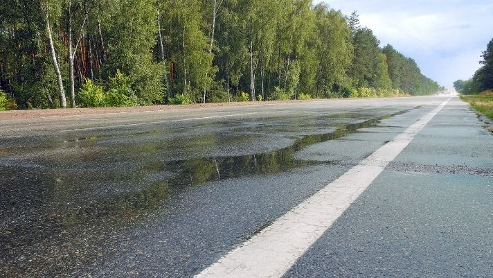 Top Tips for Driving on Wet Roads